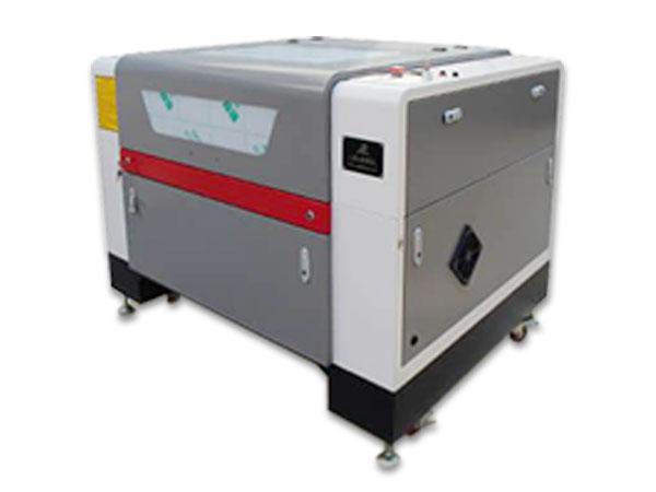 Stroj na rezanie a gravírovanie CO2 laserom LCL-9060-CCD